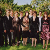 Konfirmation 2007 <br /> (Foto: A.Dünner) (Andreas Bertram-Weiss)<div class='url' style='display:none;'>/</div><div class='dom' style='display:none;'>kircheamsee.ch/</div><div class='aid' style='display:none;'>32</div><div class='bid' style='display:none;'>157</div><div class='usr' style='display:none;'>6</div>